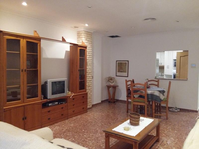 Alquiler casa de 2 plantas junto a Gaspar Aguilar Valencia