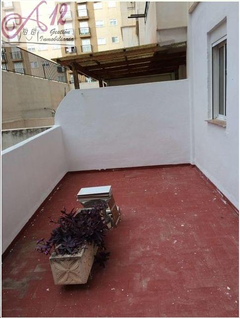 Alquiler piso con terraza en Jesus Valencia