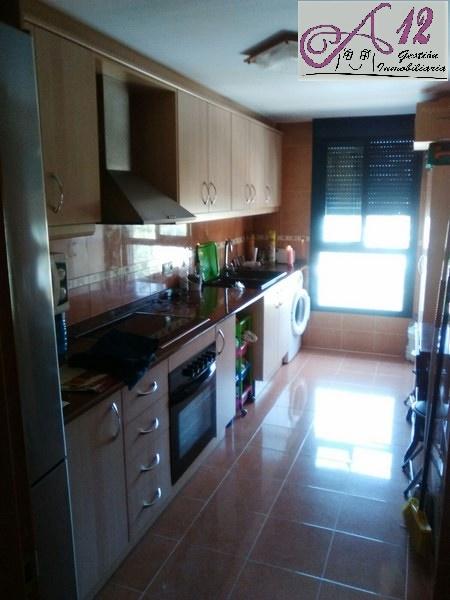 Venta piso 3 habitaciones en Montserrat Valencia