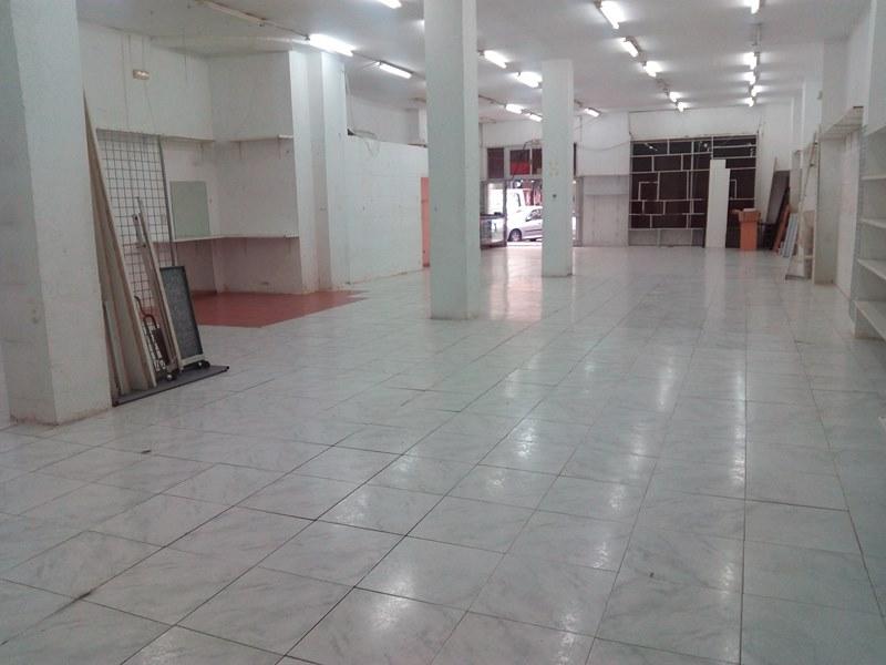 Venta amplísimo local en zona Jesús Valencia