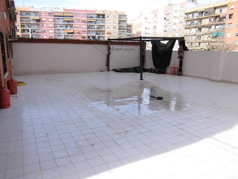 Venta piso una habitación con terraza en Valencia
