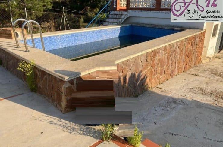 Chalet independiente con piscina en Benaguacil